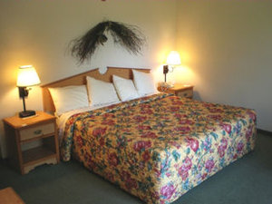 Room - HomeTown Inn & Suites Belle Plaine