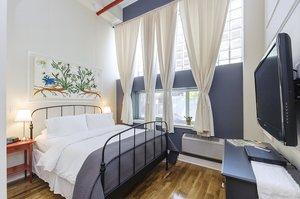 Room - Box House Hotel Brooklyn
