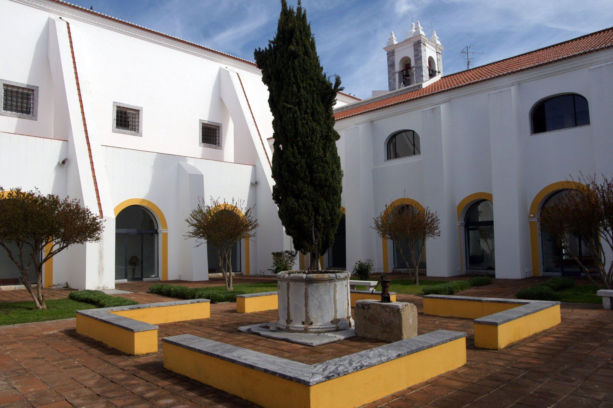 Pousada De Beja Historic Hotel