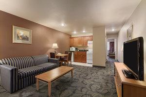 Suite - Poco Inn & Suites Port Coquitlam