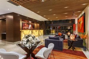 Lobby - Poco Inn & Suites Port Coquitlam