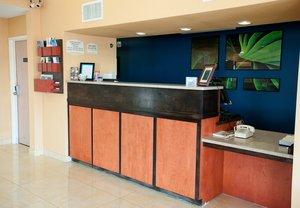 Lobby - Fairfield Inn by Marriott Wichita