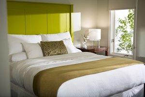 Room - Inns at the Equinox Manchester Village