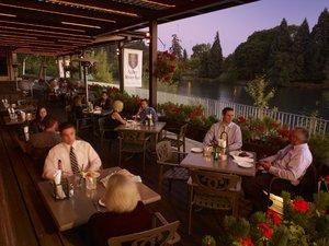 Restaurant - Valley River Inn Eugene
