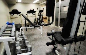 Fitness/ Exercise Room - Hotel Dauphin Drummondville