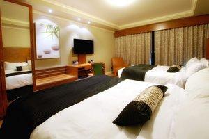Room - Hotel Dauphin Drummondville