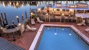 Pool - St Michaels Harbor Inn