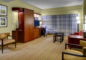 Room - Courtyard by Marriott Hotel Downtown Greenville