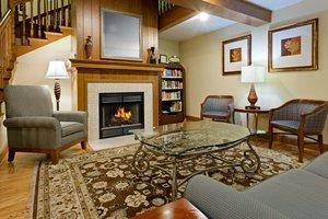 Lobby - Country Inn by Carlson Millville