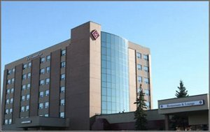 Exterior view - Glenmore Inn Calgary