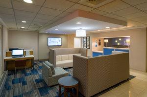 Lobby - Holiday Inn Express Langhorne