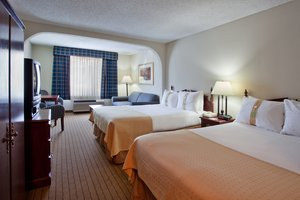 Room - Holiday Inn Hotel & Suites Peachtree City