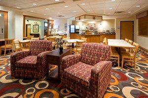 Restaurant - Holiday Inn Express Hotel & Suites Worthington