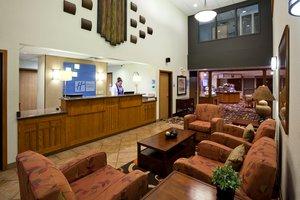 Lobby - Holiday Inn Express Hotel & Suites Worthington