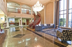 Lobby - Holiday Inn Express Hotel & Suites Lake Charles