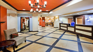 Lobby - Holiday Inn Express Peachtree Corners Norcross