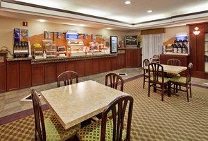 Restaurant - Holiday Inn Express Hotel & Suites Lansing