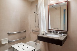 Room - DoubleTree by Hilton Hotel & Meeting Center Somerset