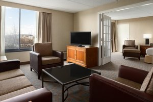Suite - DoubleTree by Hilton Hotel & Meeting Center Somerset