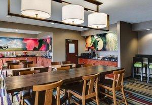 Restaurant - Fairfield Inn by Marriott Olathe
