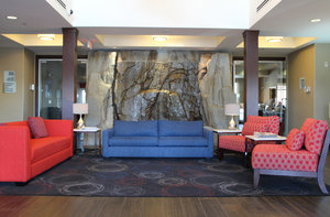 Lobby - Holiday Inn Express Hotel & Suites Richmond
