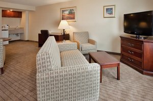 Suite - Holiday Inn Hotel & Suites Convention Center