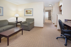 Suite - Holiday Inn Express Hotel & Suites Englewood