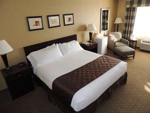 Room - Holiday Inn Express Fallon