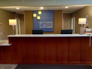 Lobby - Holiday Inn Express Hotel & Suites Winner