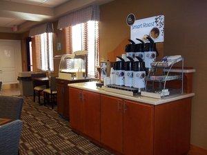 Restaurant - Holiday Inn Express Hotel & Suites Winner