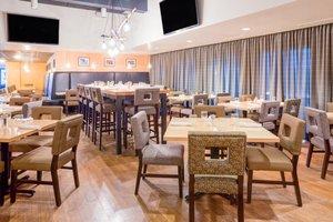 Restaurant - Crowne Plaza Hotel Bloomington