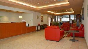 Lobby - Holiday Inn Hinton