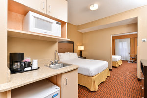 Room - Holiday Inn Express Breezewood