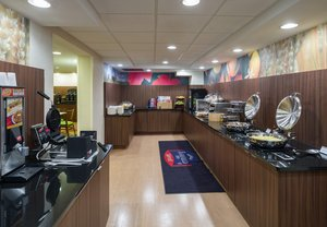 Restaurant - Fairfield Inn by Marriott Laurel