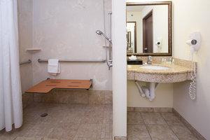 Room - Holiday Inn Hotel & Suites Trinidad