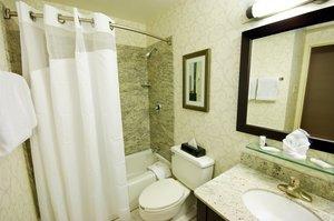 Room - Holiday Inn Hotel & Suites Peabody