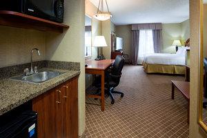 Room - Holiday Inn Express Hotel & Suites Cedar Rapids