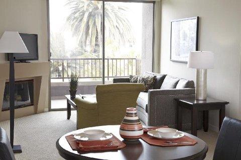 Sample Oakwood Living Room