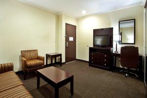 Suite - Holiday Inn Hotel & Suites Lake Charles