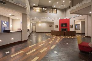 Lobby - Holiday Inn Express Hotel & Suites Thornton