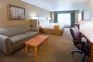 Suite - Holiday Inn Express Hotel & Suites Shakopee
