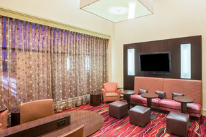 Lobby - Crowne Plaza Hotel Newton
