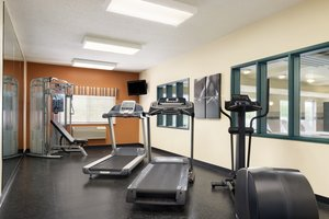 Fitness/ Exercise Room - Country Inn & Suites by Radisson Big Rapids