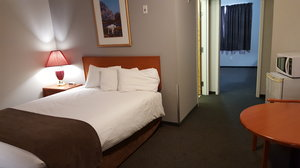 Suite - Premier Inn & Suites Lethbridge