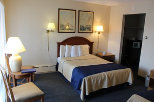 Room - Arlington Inn Port Clinton