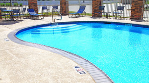 Pool - Holiday Inn Express Hotel & Suites Bossier City