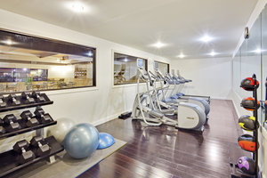 Fitness/ Exercise Room - Holiday Inn Express Hotel & Suites Williamsport