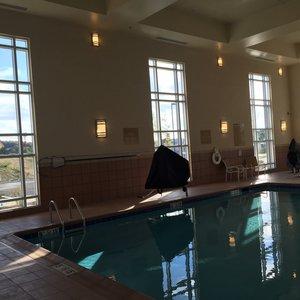 Pool - Candlewood Suites Austintown