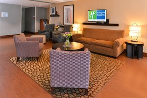 Lobby - Holiday Inn Express Downtown Worcester