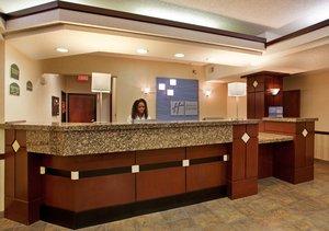 Lobby - Holiday Inn Express Hotel & Suites Lansing